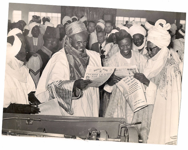 Alhaji Ahmadu Bello, premier of Northern Nigeria and Emir of Kano at the inauguration of Daily Mail ,Kano 1961