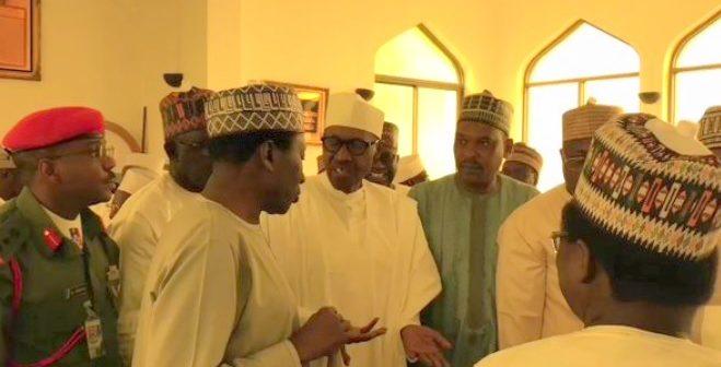 Buhari-attends-prayers