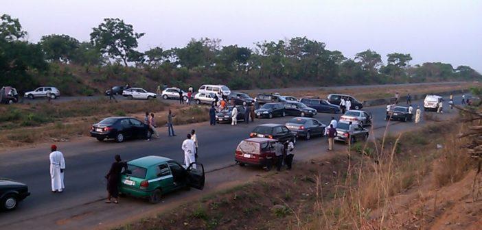 Robbers-Car-Abuja-KAduna-road